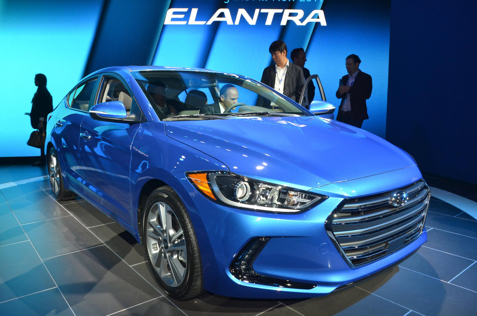New Hyudai Elantra officially represented in Russia