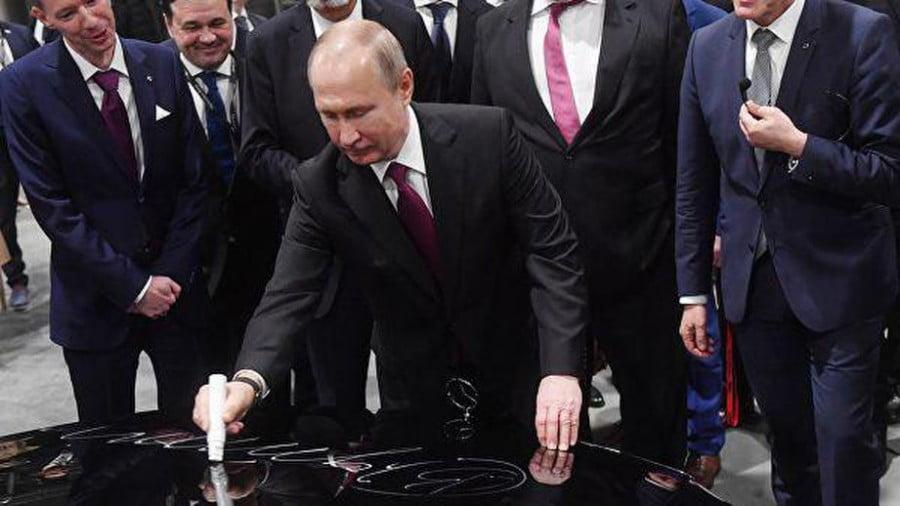 Mercedes будет изготовлять легковые автомобили на заводе в Подмосковье