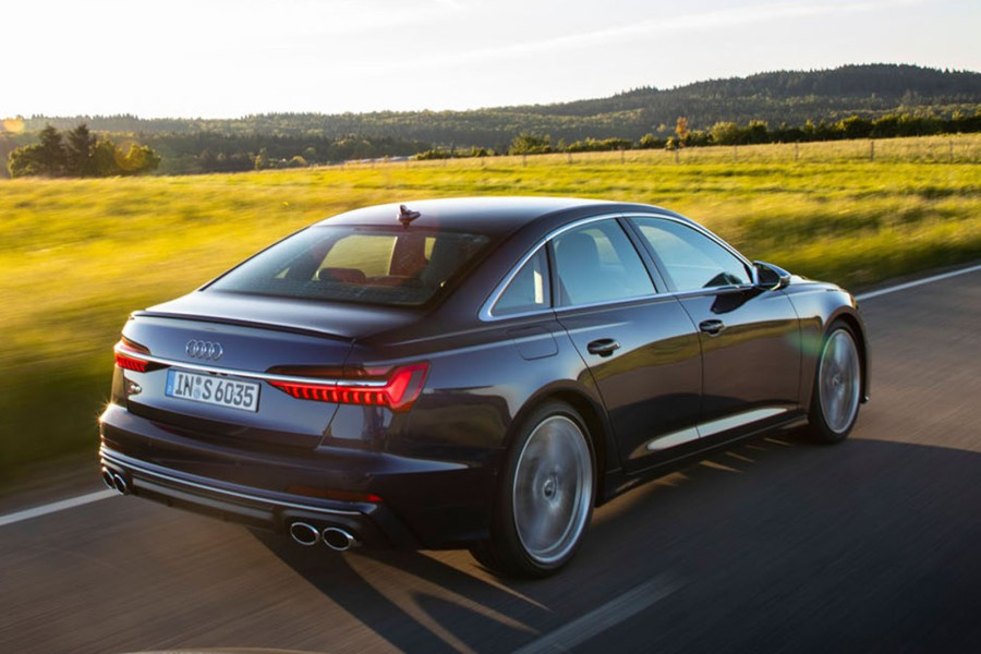 Audi S6 returned gasoline version