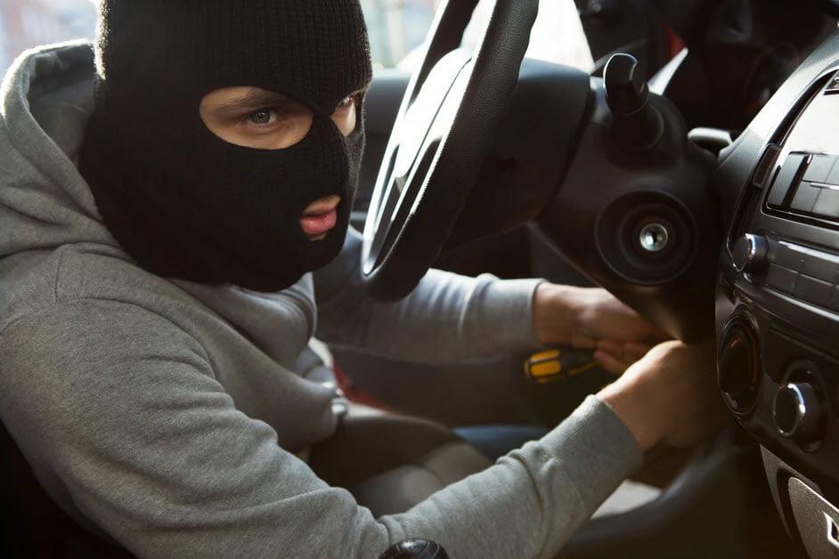 Das Innenministerium Russlands hat die 4 beliebtesten Methoden des Autodiebstahls ermittelt