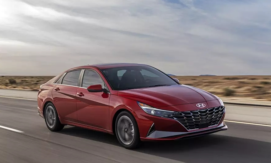 Hyundai Elantra becomes hybrid and impresses with incredible transformation