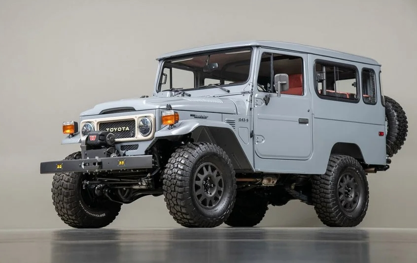Refurbished 40 Toyota Land Cruiser FJ1984