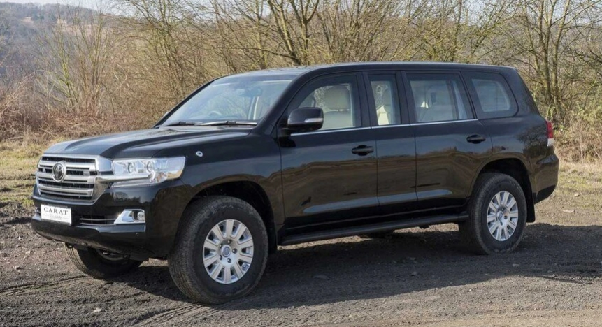 Belgian company proposes to turn Toyota Land Cruiser into a bulletproof limousine