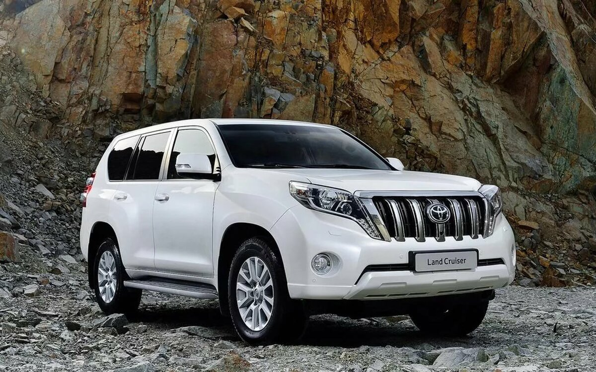 Rumors: Toyota Land Cruiser Prado will be a crossover and get a CVT