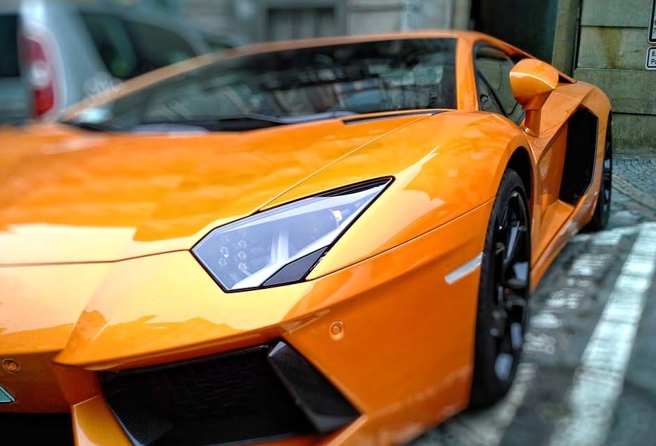 Lamborghini refuses petrol engines
