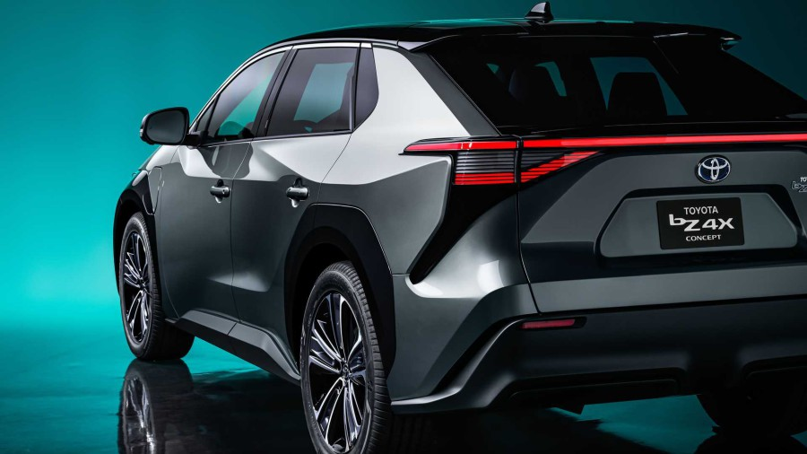 The first electric car Toyota bZ4X will be small-scale?